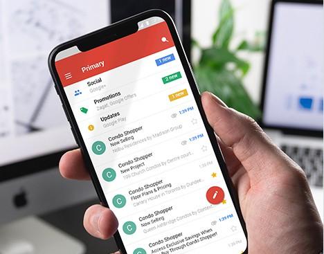 condo shopper emails received on smartphone