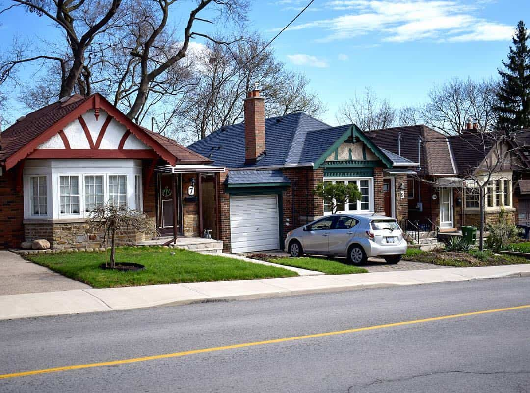 small bungalows near humber river